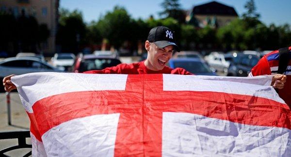 Английские болельщики поменяли свое мнение о России и перестали верить британским СМИ