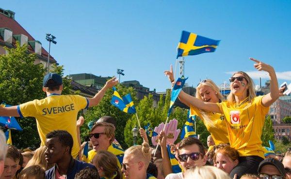Фанаты сборной Швеции выпили все пиво в Нижнем Новгороде