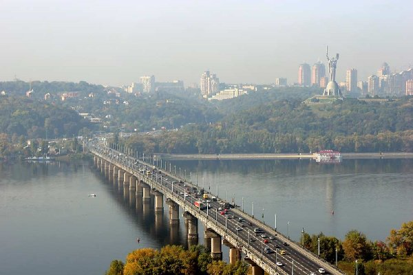 Украинский художник пообещал прыгнуть в Днепр с моста Патона после победы России над Хорватией