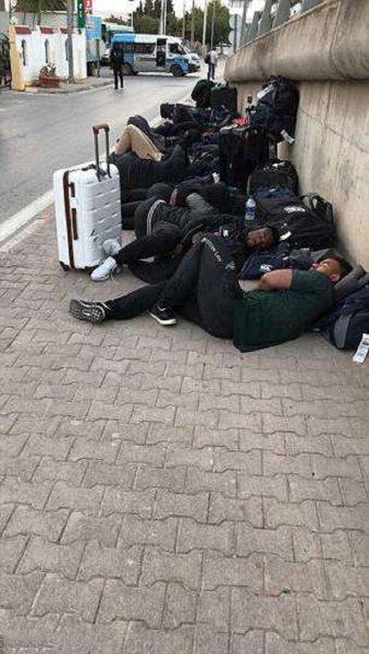Сборная Зимбабве по регби переночевала под открытым небом перед матчем с Тунисом