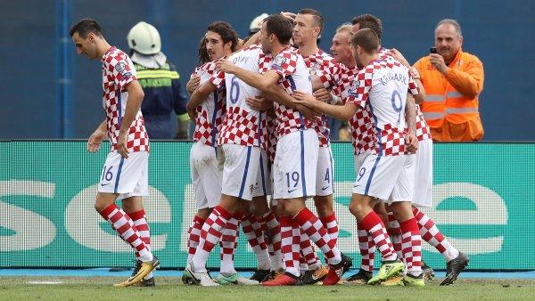 Сборная Хорватии тренируется без Стринича и Ковачича