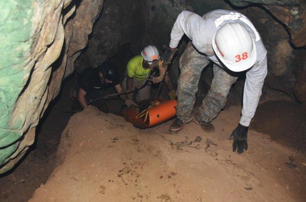 Спасённым из пещеры в Таиланде детям запретили посещать финал ЧМ-2018